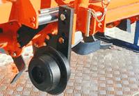 Metaliniai ratukai iš priekio darbinio aukščio reguliavimui